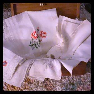 20 vintage white hankies/napkins